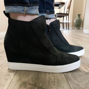 CCOCCI Shoes - ** 🤩 JUST ARRIVED 😍 ** Zippered Wedge Sneakers